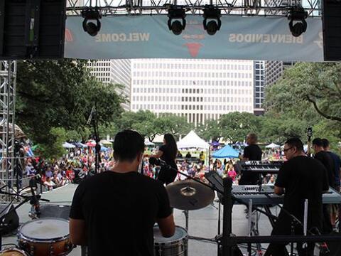 Lo mejor del primer día del Festival Puertorriqueño y Cuba...