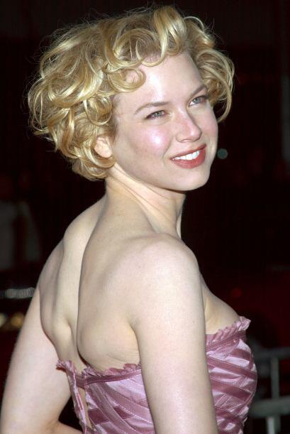 Así era como lucía en 2002. Una mujer coqueta, linda y natural.