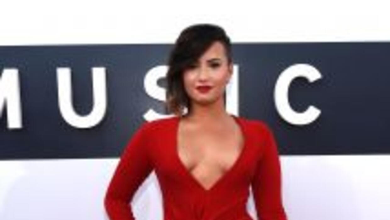 Demi Lovato lució espectacular durante la alfombra de los MTV VMA.