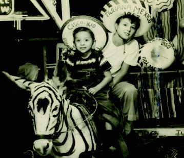 Fotografía de los hermanos Rich y Randy Vutech tomada en 1953.