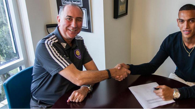 Devron García firma contrato con Orlando City SC