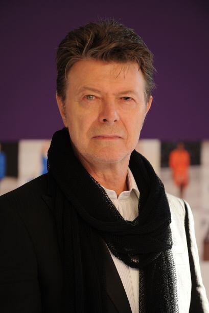 Por esto y más David Bowie es el británico mejor vestido de la historia.