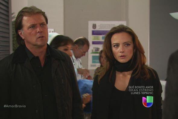 Daniel les dice a Mariano y Camila que Leoncio le cortó la lengua y le q...