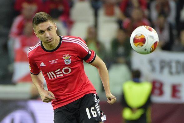Simeone decidió traer en su lugar a Guilherme Siqueira para hacer buenas...