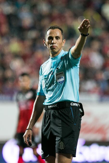 Marchesín se viste de héroe y salva un punto para el América arbitro-lui...