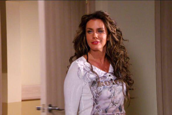 Despierta Diana, ¡mira quién vino a visitarte! Sí, es Macaria.
