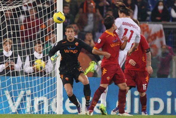 Milan era superior y consiguió el tercero. Otra vez 'Ibra' de cabeza. Er...