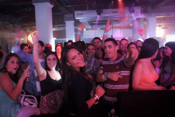 """J Balvin puso a bailar a Miami al ritmo de Trrra-Trrra-""""Tranquila"""", """"6 A..."""