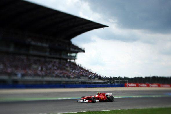 Desde que tomó la primera posición, Alonso aumentó su ventaja hasta term...