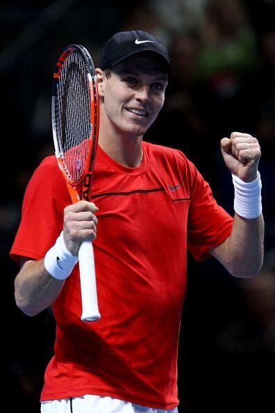 El checo Tomas Berdych, séptimo tenista del mundo, se impuso en el Maste...