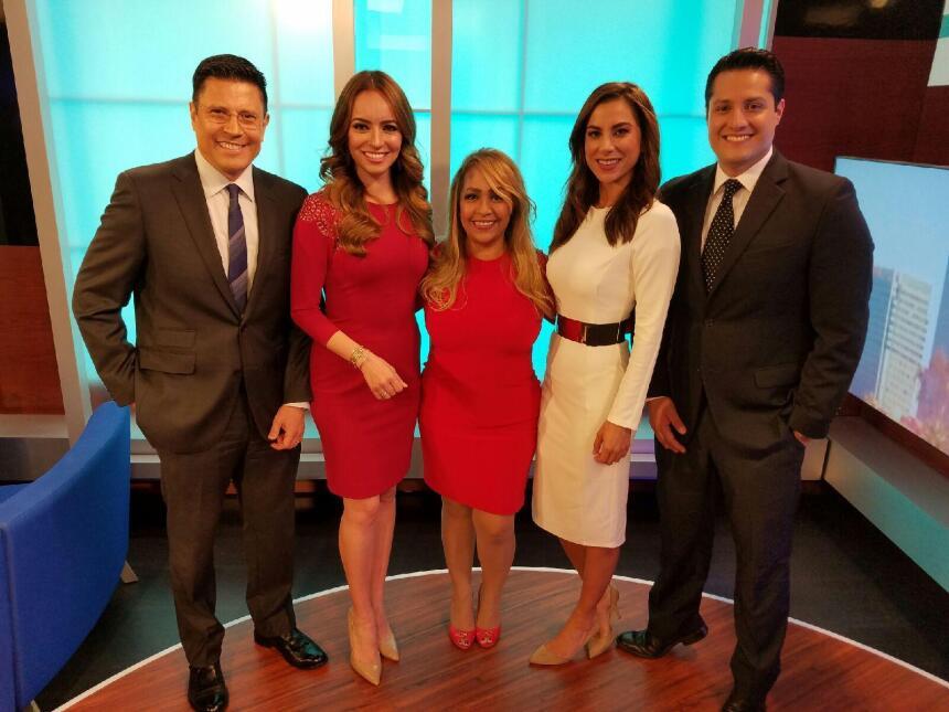 Presentadores y personalidades de los medios latinos en Arizona promueve...
