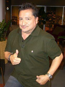 El puertorriqueño Luis Raúl te sacará una que otra sonrisa de tu rostro.