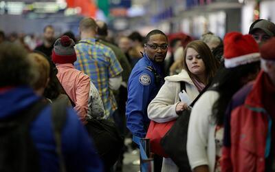 Las nuevas medidas de seguridad incluyen mayores chequeos a pasajeros, r...