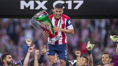Emotivo título de Chivas, campeón de la Copa MX en intensa final contra Morelia