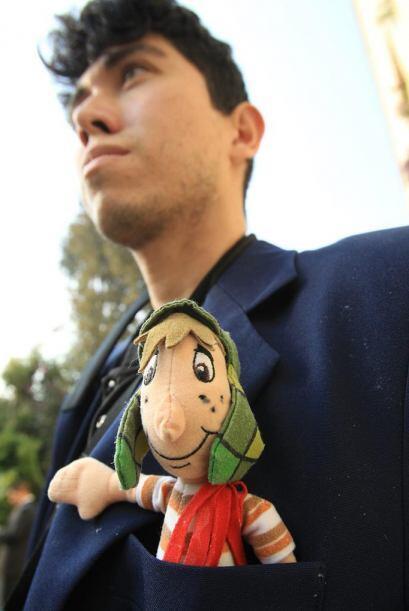 Un fanático de El Chavo lleva a su personaje en el corazón.