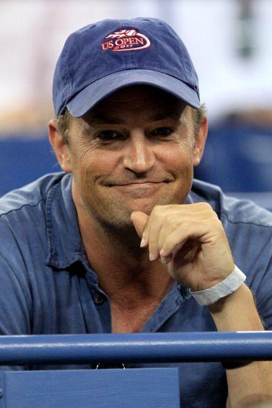 El actor Matthew Perry dejó las grabaciones por ir a disfrutar de las se...