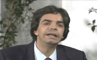 El reportero Rigoberto Palaez entrevista al luchador El Manotas