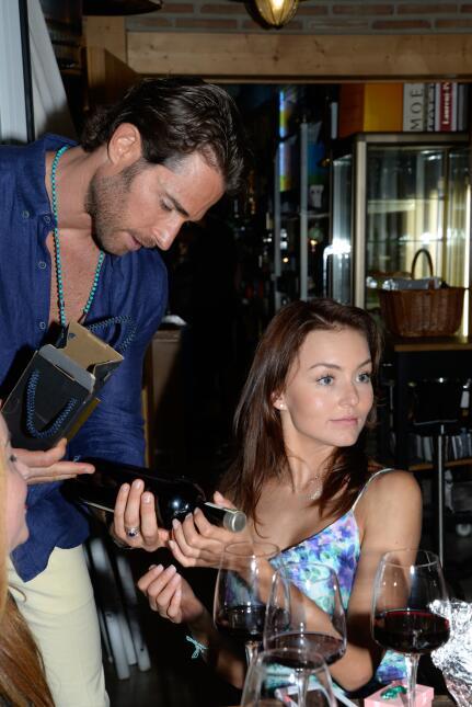Boyer y Rulli se la pasaron muy bien en el restaurante del actor.