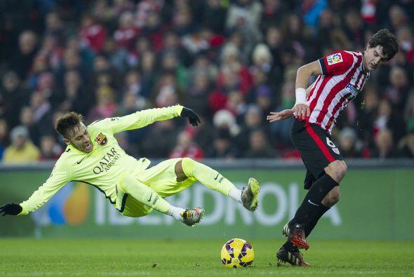 Tras el segundo gol del Bilbao, los locales siguieron buscando otro gol...