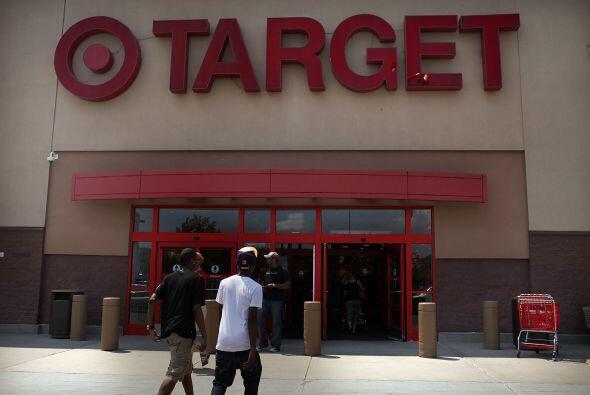 """TARGET """" La tienda abrirá desde las 9 p.m. del jueves."""