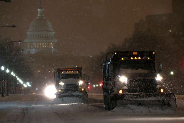 En Virginia, el Departamento de Transporte indicó que 2,500 de su...