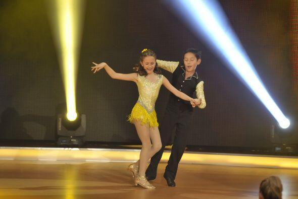 La pareja de baile, Nicole y Erick, disfrutaron bastante bailar salsa.