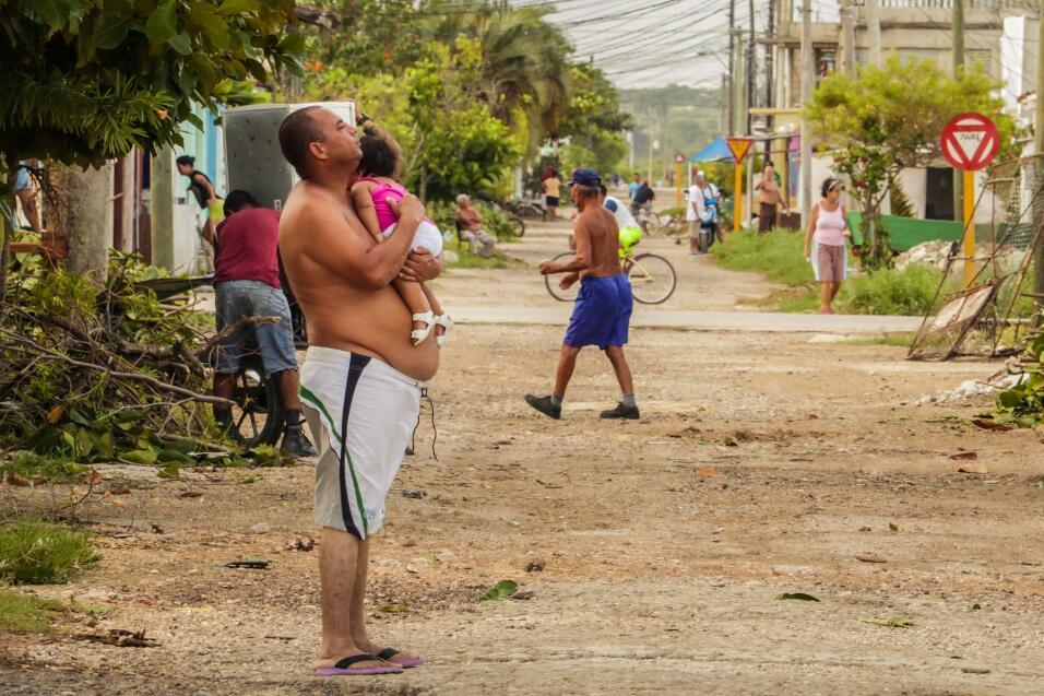 Al menos 10 muertos, inundaciones y edificios en ruinas: así quedó Cuba...
