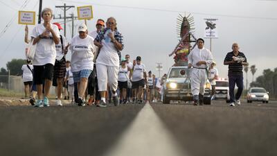 Cientos marchan en la primera gran protesta en Texas contra planes de muro fronterizo