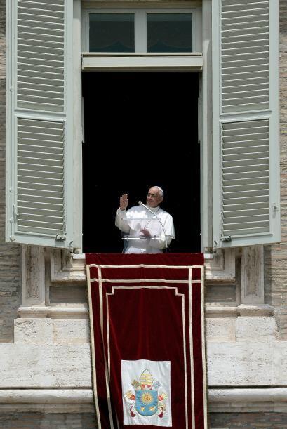 13 junio: El papa Francisco anunció la publicación próxima de la encícli...