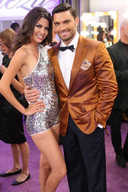 El actor Julián Gil también aprovechó la oportunidad de tener una foto d...