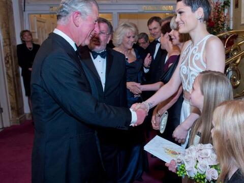 Tremenda recepción se llevó a cabo en el Palladium de Lond...