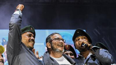 In photos: FARC rebels throw a peace party to celebrate government accords