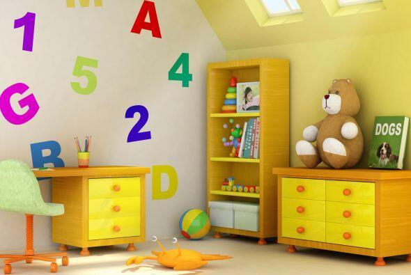 Su lugar. Si no tienes espacio para el clásico 'playroom', ambienta un r...