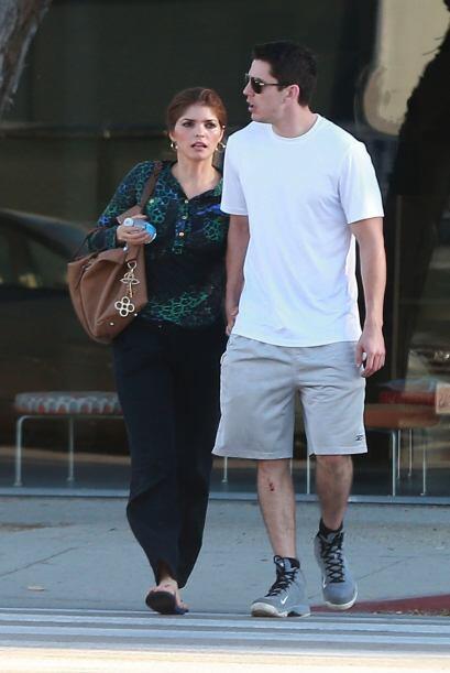 Según la revista TvNotas fue en un gimnasio donde se enamoró.