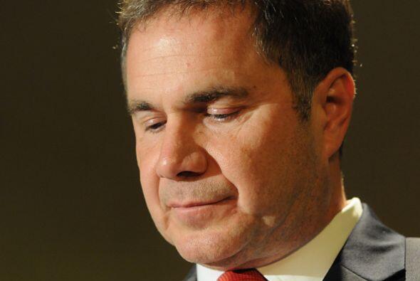 En tanto, el candidato demócrata por el senado de Iowa, Bruce Braley, ag...