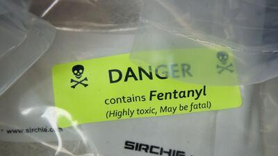 Salvan de morir por sobredosis de Fentanilo a cuatro hombres en Los Ángeles