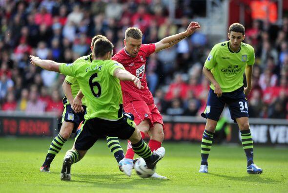 Ya que marcó dos goles del triunfo del Southampton por 4-1 ante el Aston...