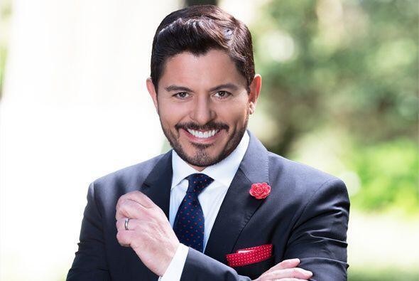 """Ernesto Laguardia no tiene perdón interpretando a """"Santiago en """"Amores c..."""