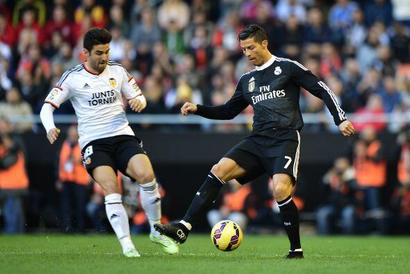 Real Madrid no lograba meterse de nuevo al partido y ésto lo aprovecharí...