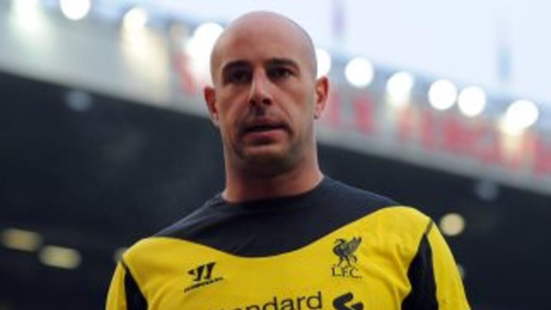 El portero español estaría dispuesto a regresar al club que lo vio nacer...
