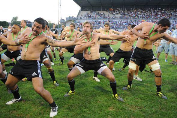 Esta foto es importada, no es de fútbol, es de rugby. Son los jug...