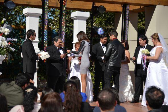También aprovecharon para felicitarlos.