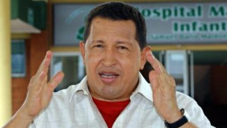 El presidente de Venezuela, Hugo Chávez, suspendió la transmisión de su...
