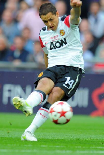 A Javier Hernández no le llegaban pelotas claras.