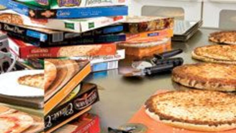 Compramos y horneamos más de 100 pizzas y les servimos a los degustadore...