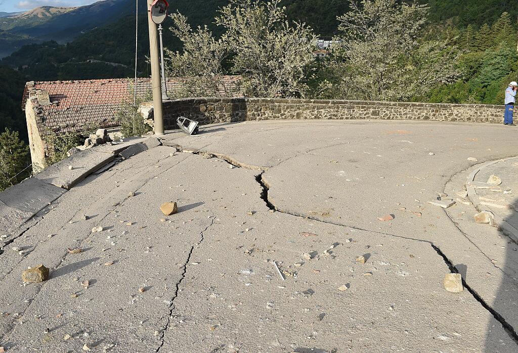 Potente terremoto estremece el centro de Italia y Roma arcuata9.jpg