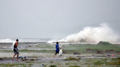 Cifra de muertos en Filipinas podría sobrepasar los 10,000 tras devastad...