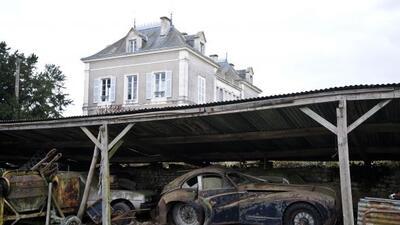 Hay autos muy dañados que necesitarán mucho trabajo de restauración.