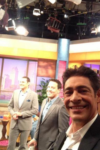 """""""Ya listo para comenzar @DespiertaAmeric"""", anunció Johnny Lozada. (Septi..."""