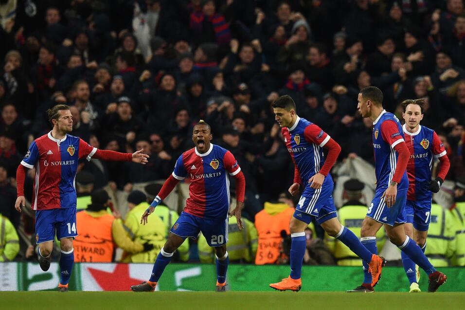 Manchester City perdió 1-2 ante Basilea en los octavos de la UEFA Champi...